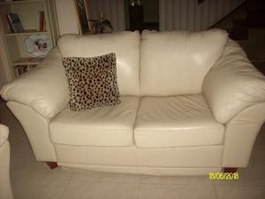 2 sillones cama de cuero de 2x90 y1,50x90 de$23mil y 18mil