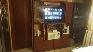 Mueble de cocina para TV en buen estado