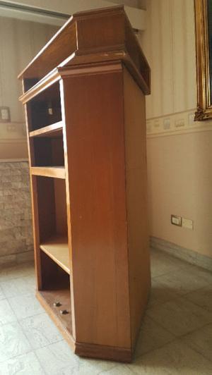 VENDO mueble esquinero con repisa de Roble