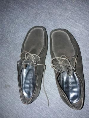 Vendo zapatos de hombre de nobuk
