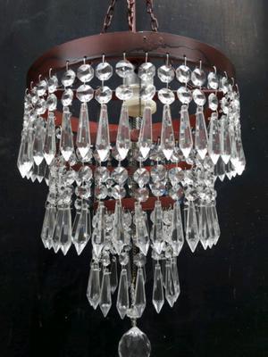 Araña de hierro color oxido 2 luces y caireles de cristal