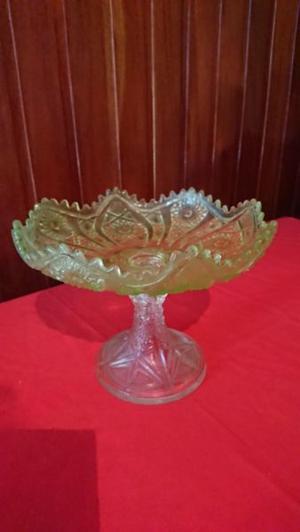 Antigua frutera de vidrio o centro de mesa prensado,