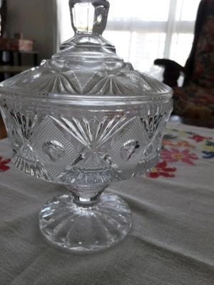 Bombonera antigua de vidrio