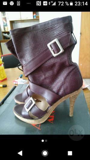 Sandalias nuevas sin uso de cuero