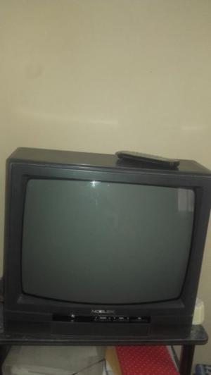 Vendo TV color