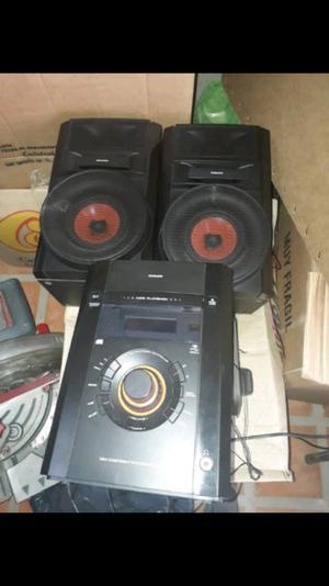 Vendo equipo de música philco modelo apmj57