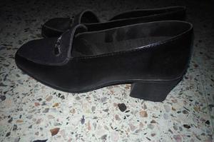 2 pares de zapatos. Talles 38 y 39