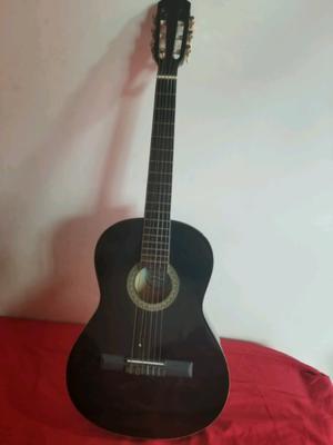 Guitarra criolla para niños y niñas. Con funda, y un