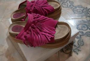 Sandalias gomon con flecos