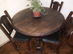 Mesa y cuatro sillas de algarrobo