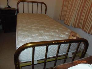 vendo cama con colchon