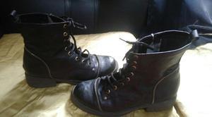 vendo un par de borcegos y un par de botas $150 c/u N°38