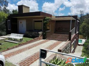 Inmobiliaria Casermeiro & Asoc. Alquila Hermosa Casa con