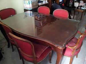 Mesa de Comedor y 6 sillas antiguas