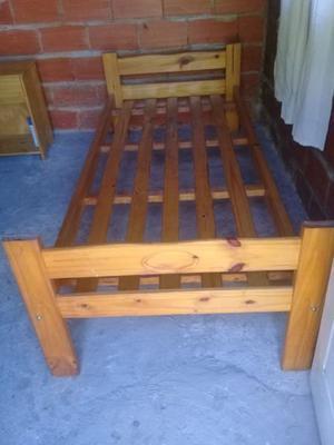 cama de una plaza exelente estado