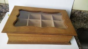 Caja de té de madera. Largo 32 cm. Ancho 21 cm. Alto 9 cm.