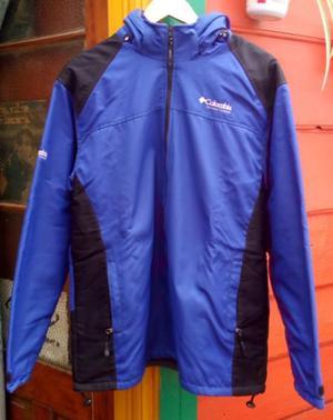 columbia azul frizada con capucha xl, usada + obsequio