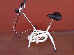 bicicleta fija nueva casi sin uso