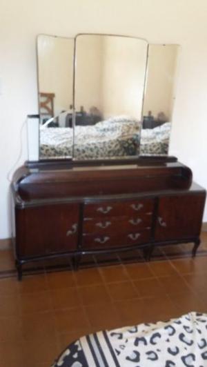 Juego de muebles de habitación antiguo (Luis XV)