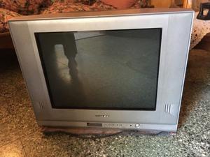 TV PHILCO, pantalla plana de 21 pulgadas en muy buen estado