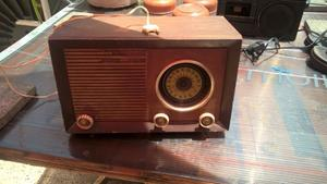 antigua radio a restaurar o decoracion