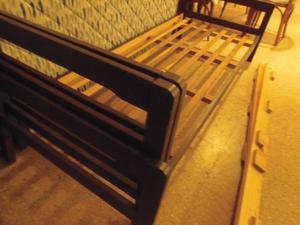 cama de pino 80 cm de ancho con colchon CASI NUEVO