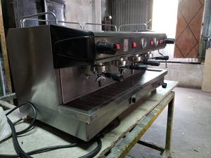 Máquina de café RILO 4 bocas