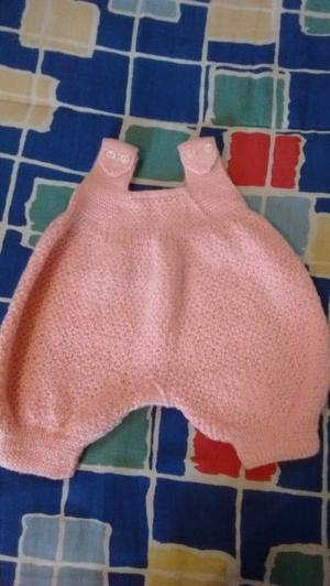 Conjunto tejido para bebé nena