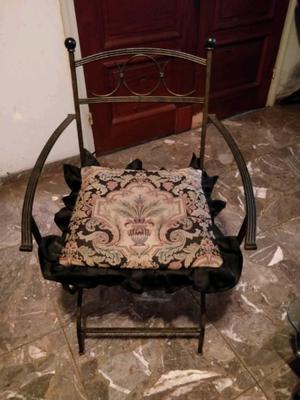 Juego de 2 sillas de hierro