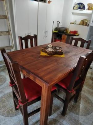 Mesa pino con 4 sillas