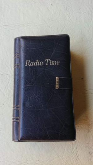 Antigua radio KENTON RADIO TIME, radio y reloj despertador,