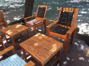 Juego de mesas y sillas para jardín