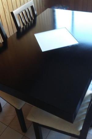 Mesa de comedor mas 4 sillas en madera paraiso Negro y