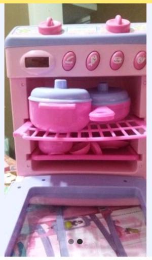 Vendo cocina eléctrica de juguete alto 23 cm y 9 cm ancho