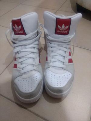 Vendo zapatillas casi nuevas