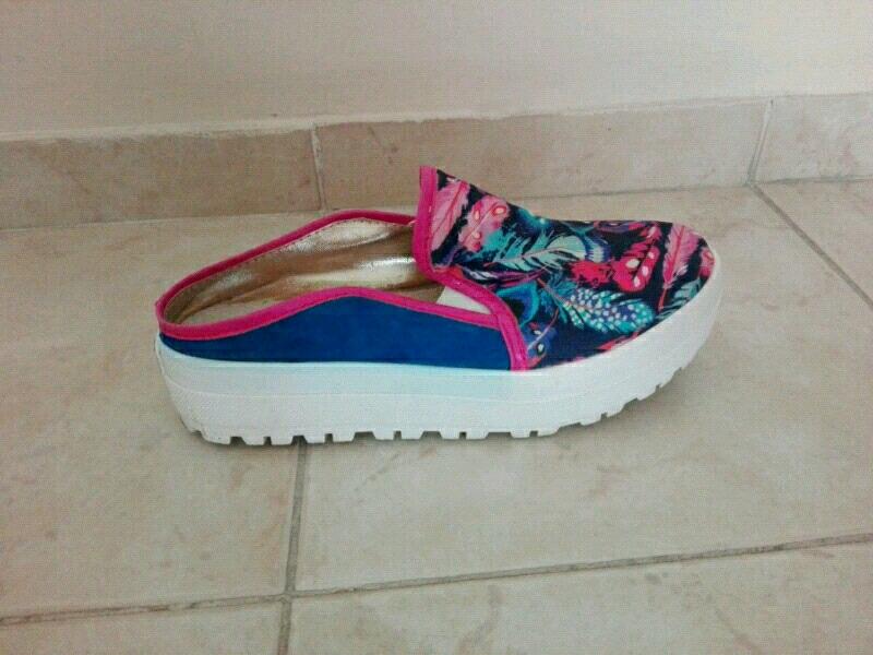 Panchas o zapatillas número 36 un uso