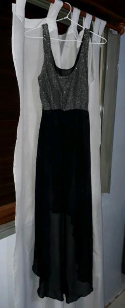 Vestido negro y dorado largo de fiesta (TALLE L)