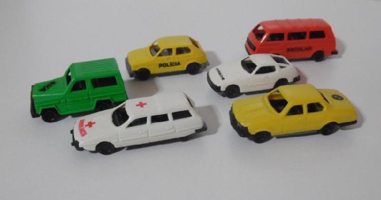 Autos Miniatura De Plástico Pevi Y Otros.