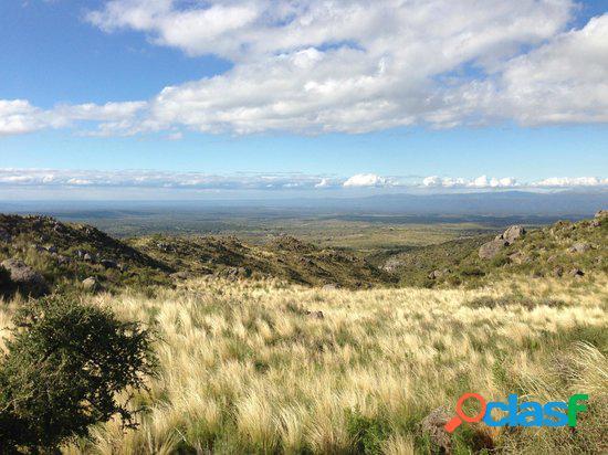 Campo 310 has en La Cumbre/ con casco de Estancia/ arroyo