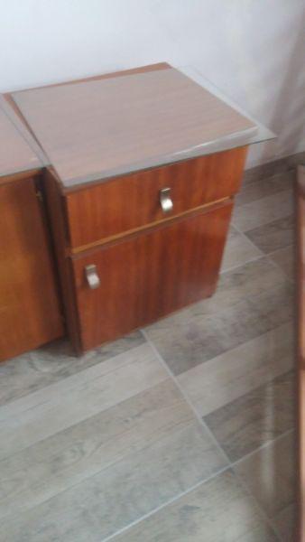 Juego de dormitorio en madera-usado