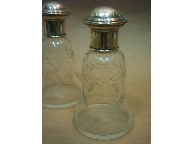 Par Antiguos Perfumeros De Cristal Con Tapas De Plata Regina