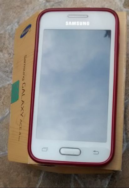 Celular Samsung Galaxy ACE 4 Neo p/Movistar