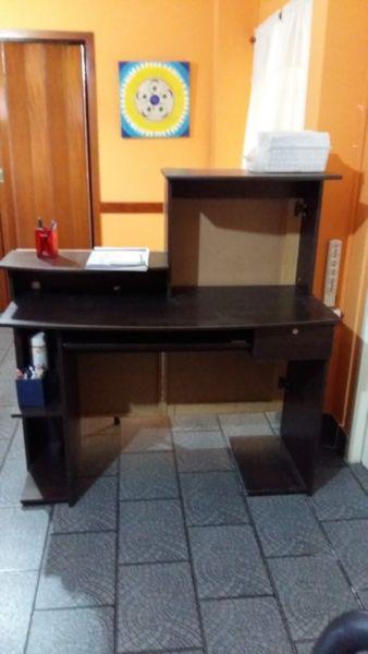 Mostrador/escritorio de madera
