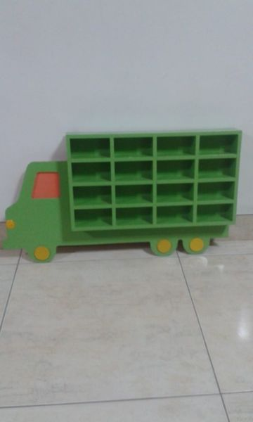Camion como nuevo para guardar autos de juguete
