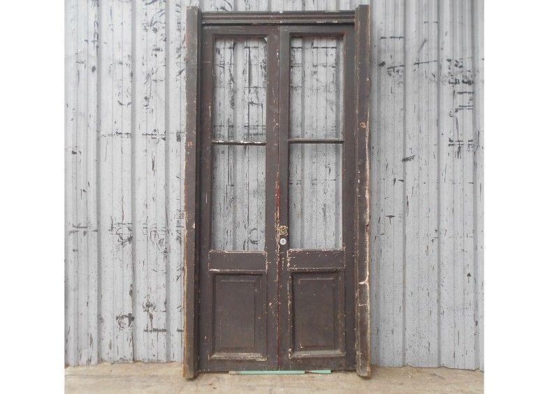 Dos antiguas puertas de madera cedro a reciclar (124x255cm)