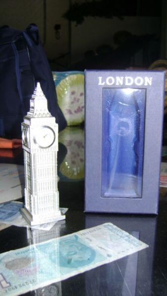 Exquisito Souvenir Reloj Big Ben De Londres A Pilas
