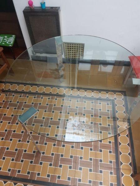 Liquido mesa de diseño de cristal