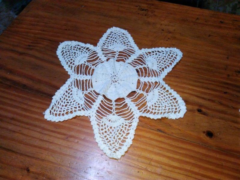 Mantel Carpeta Centro De Mesa Al Crochet Tejido A Mano Flor