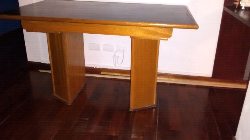 Mesa de madera de 140 x 84 x 80 alto