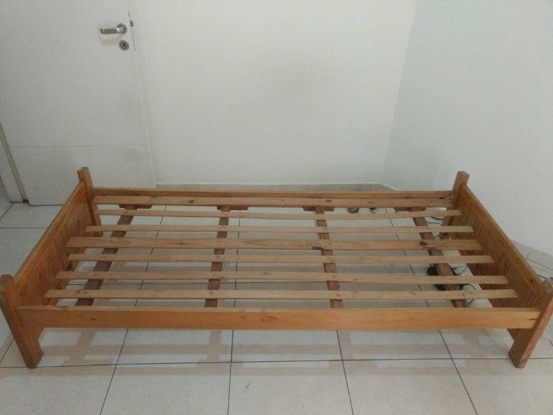 Oportunidad!! Vendo cama 1 plaza, de pino